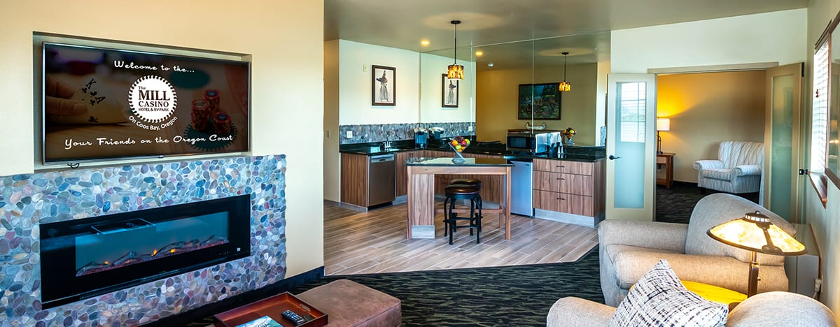 Lodge King Bayview living room and kitchen